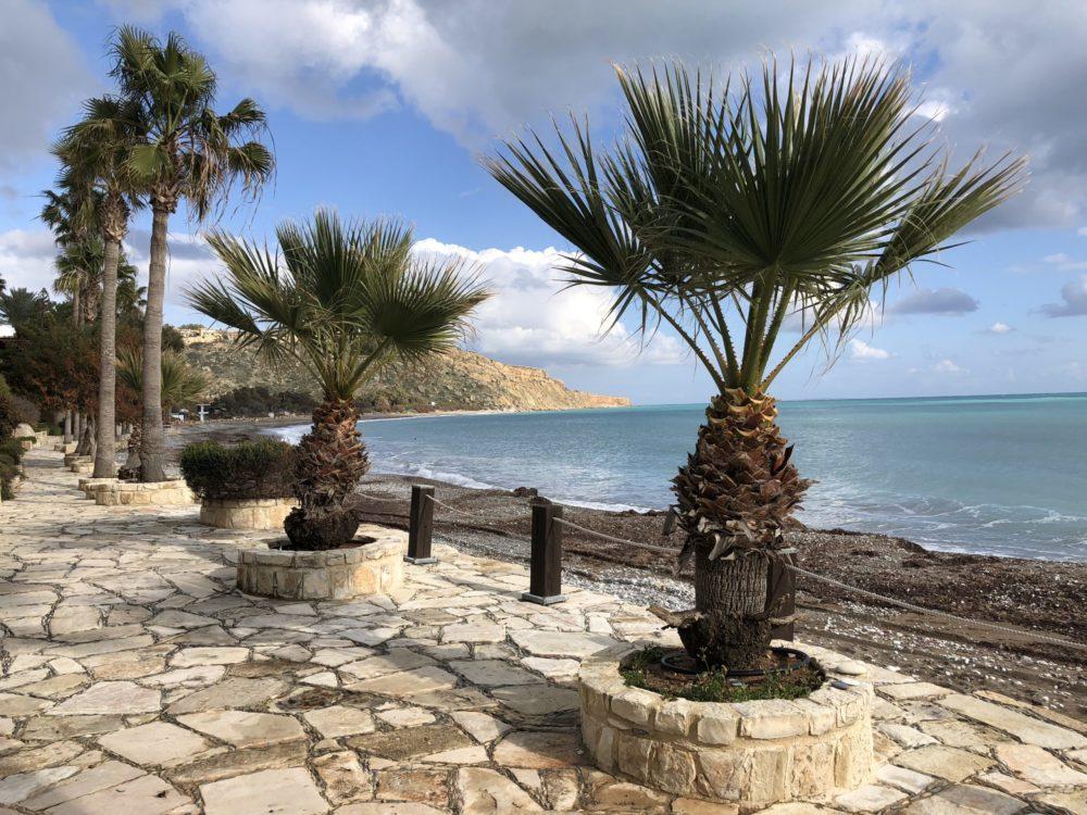 Зелёно-золотой лист, брошенный в море. Заметки о Кипре (окончание)
